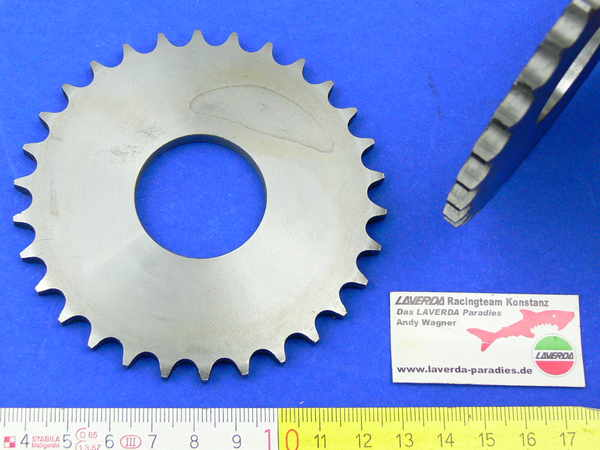 Timing chain gear A-11 / A-12 / C-4 / C-7 / 120° special exhaust (2 x M7 threads will have to be mounted)